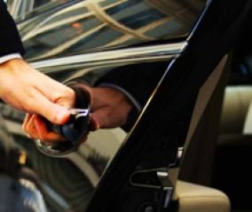 NOLEGGIO Mercedes Classe E con Conducente